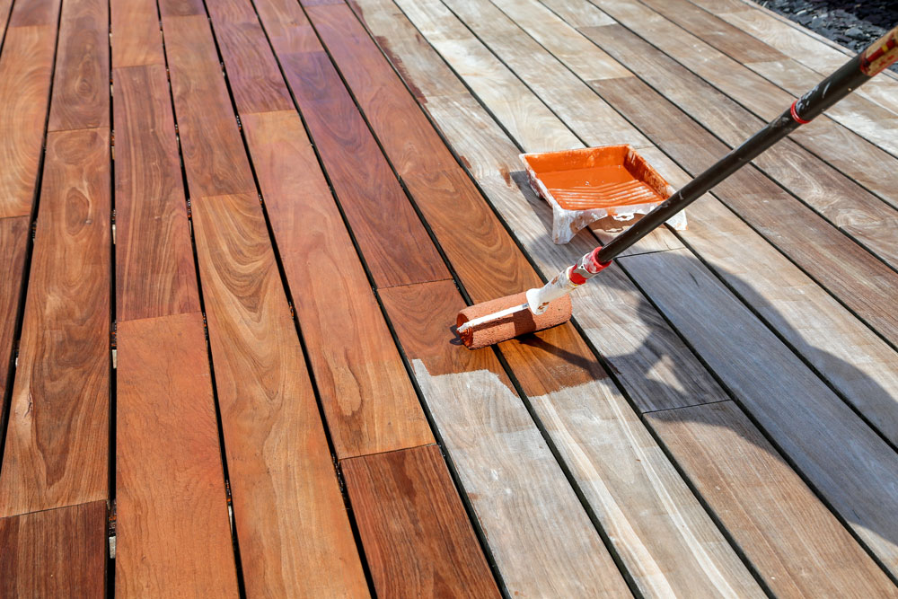 Montreal Terrasse Staining